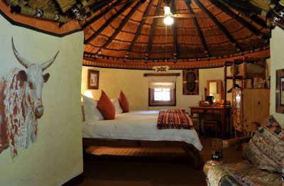 Lesedi African Lodge - Pedi Room - North West