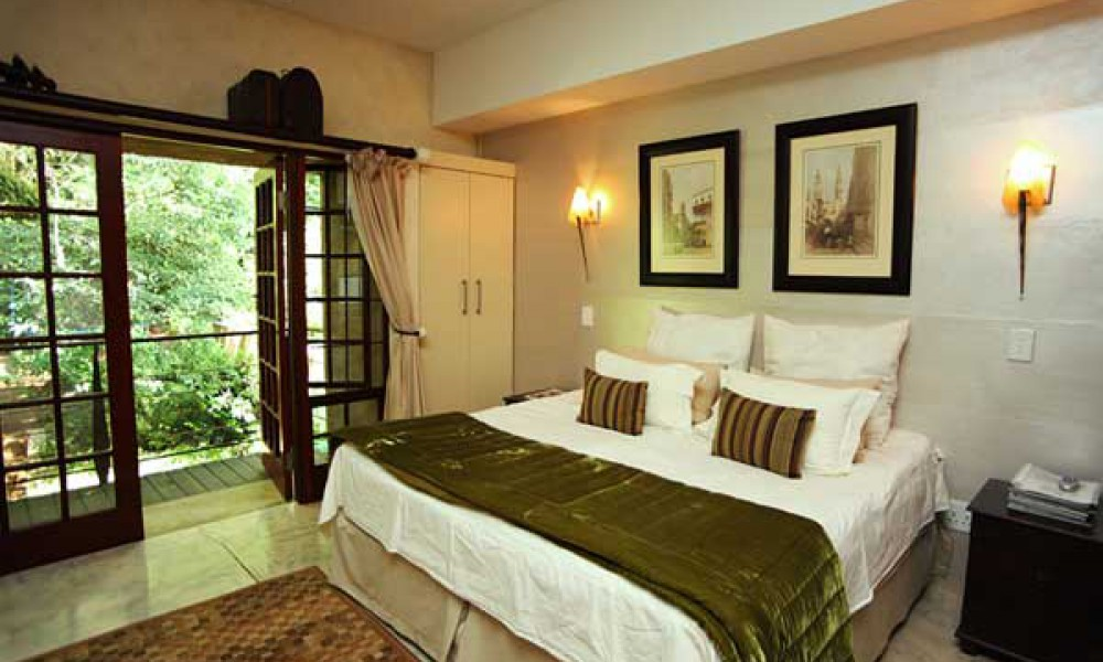 Bramasole Lakeside Guest House - Egypt Room - Magoebaskloof